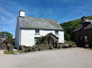 Carno Farmhouse -  Sleeps 4
